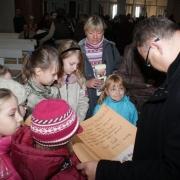 Życzenia imieninowe od dzieci dla ks. Proboszcza