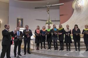 Śpiew Akatystu i koncert Apostolatu Jezusa i Maryi.