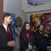 Uroczyste otwarcie Jubileuszowej Bramy Miłosierdzia. Członkowie zespołu Apostolat Jezusa i Maryi.