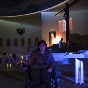 Uroczyste otwarcie Jubileuszowej Bramy Miłosierdzia. Natalia, która zbiera środki na pielgrzymkę do Lourdes.