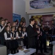 Uroczyste otwarcie Jubileuszowej Bramy Miłosierdzia. Chórek dzieci z SPP w Kwidzyniu.