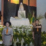 Czuwanie modlitewne prowadzone przez młodzież.