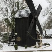 Grabonóg - wiatrak koźlak z XIX wieku.