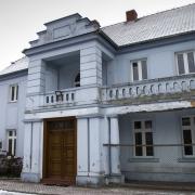 Grabonóg - ostatnie spojrzenie na dworek muzeum i w drogę do Podrzecza.