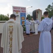 Modlitwa i rozważania przy II ołtarzu.