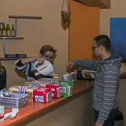 Śniadanie w Centrum Duszpasterskim po mszy roratniej,
