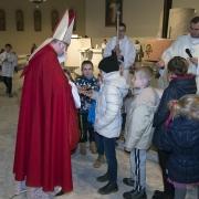 Przybycie na spotkanie z dziećmi św. Mikołaja.