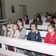 Czuwanie modlitewne z u udziałem młodzieży.